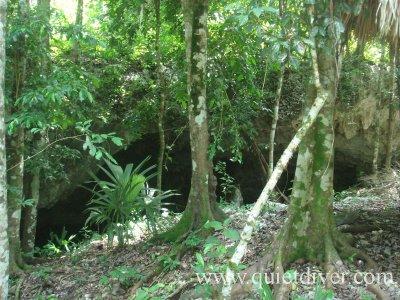 tux-kubaxa-cenote.jpg