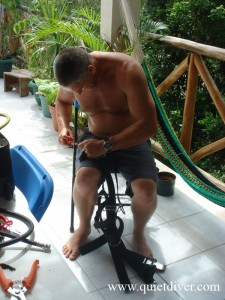 Steve Bogaerts building a custom Razor side mount harness.